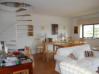 Central II - Apartment in Central Cascais with Pool - Cascais vacation rentals