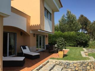 Nice Condo with Central Heating and Wireless Internet - Malveira da Serra vacation rentals