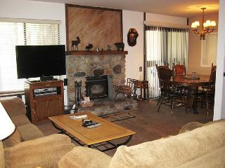 2 bedroom Condo with Internet Access in Mammoth Lakes - Mammoth Lakes vacation rentals