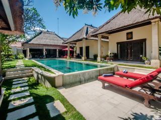 3 Bedrooms - Villa Kebun - Central Seminyak - Seminyak vacation rentals
