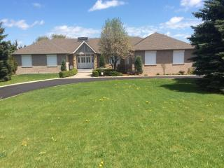 Bright 5 bedroom Bungalow in Caledon with A/C - Caledon vacation rentals