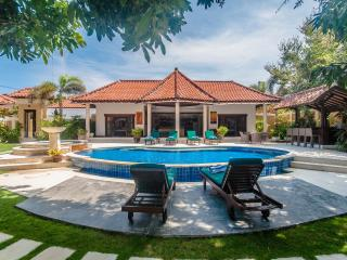 2 Bedrooms - Villa Ginger - Central Seminyak - Seminyak vacation rentals