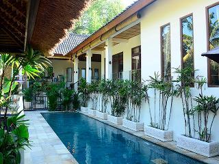 Villa Indah - Magical valley views and privacy - Ubud vacation rentals