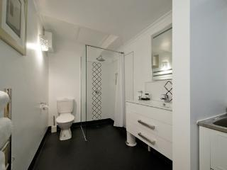 Nice 2 bedroom Condo in Burnie - Burnie vacation rentals
