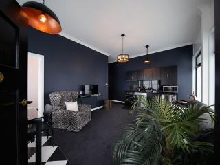2 bedroom Apartment with Internet Access in Burnie - Burnie vacation rentals