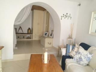 Cozy 2 bedroom Poros House with A/C - Poros vacation rentals