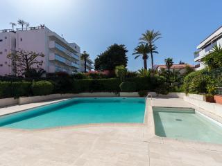 APPARTEMENT AU CAP D'ANTIBES - Antibes vacation rentals
