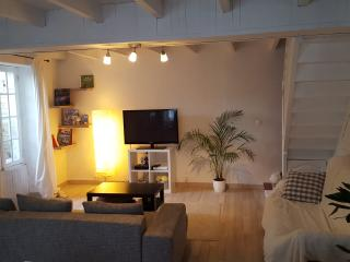 Nice House with Internet Access and Corporate Bookings Allowed - La Jarne vacation rentals