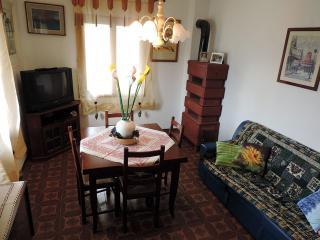 Cozy 2 bedroom Condo in Enego - Enego vacation rentals