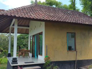 Bali Bungalow 3 with sea view, ac and restaurant - Seraya Barat vacation rentals