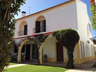 Wonderful 6 bed house. Private pool. Near beach. - Manta Rota vacation rentals