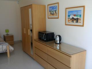 1 bedroom B&B with Internet Access in Hatfield - Hatfield vacation rentals
