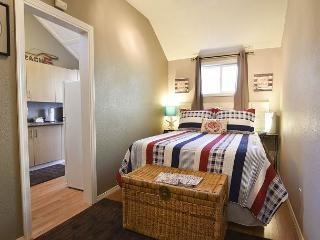 Cottage Americana - Quiet, Clean & Cozy - near Redwoods & Beaches - Fortuna vacation rentals