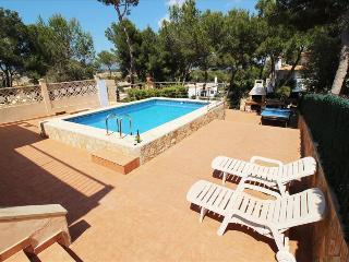 Villa con piscina en Puerto Adriano - El Toro vacation rentals