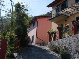 SETTE Venti appart  GIALLO  - Piano TERRA- - Casarza Ligure vacation rentals