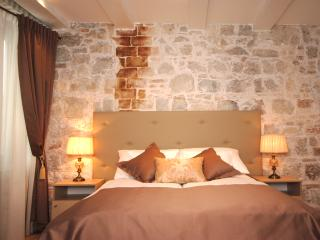 Lanterna rooms - Superior private double / twin - Split vacation rentals