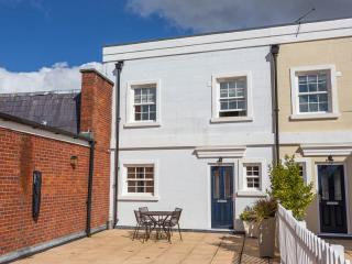 Lymington High Street, terrace, sea view, parking - Lymington vacation rentals