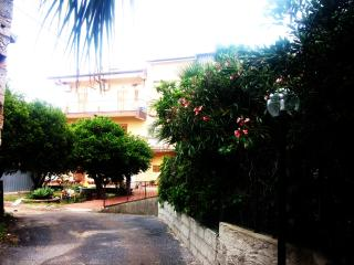 3 bedroom Bed and Breakfast with Internet Access in Santa Domenica di Ricadi - Santa Domenica di Ricadi vacation rentals