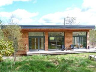 ELEPHANT HOUSE, eco-friendly, ground floor, woodburner, decked balcony, in Nairn, Ref 937493 - Nairn vacation rentals