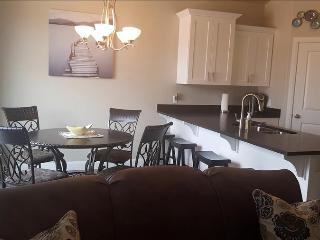 Mighty Five Retreat ~ Featuring 3 En Suites! - Washington vacation rentals