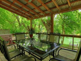 Awesome River house, Sleeps 13, Kayak, canoe and Rope Swing! - New Braunfels vacation rentals