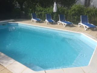 Maison Blanche, house, Vix, 35mins to La Rochelle - Vix vacation rentals