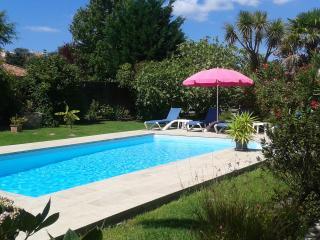 Appartement avec piscine à proximité de la plage - Anglet vacation rentals