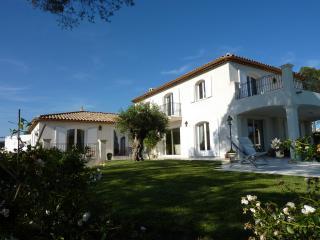 Appartement dans Villa de Standing - frejus vacation rentals