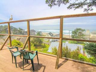 Classic Oregon Cottage with Fireplace Near Siletz Bay is Cozy Retreat - Lincoln City vacation rentals