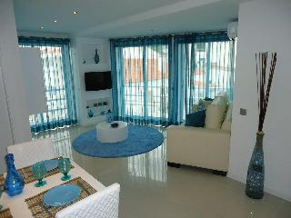 Bay View 409 Perfect Location Luxury Apart. - Albufeira vacation rentals