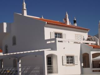 Lovely 6 bed 5 bath house. Pool. walking to beach. - Monte Gordo vacation rentals