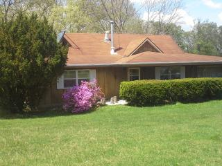 Nice House with Internet Access and A/C - Sullivan vacation rentals