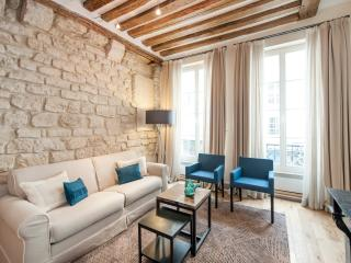 Charming & atypical 1BD/1BTH in a calm street near the Louvre Museum - Paris vacation rentals