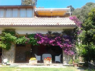 Casa panoramica con grande giardino e vista mare - Castiglione Della Pescaia vacation rentals