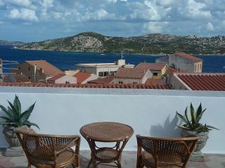 Cozy 3 bedroom Penthouse in La Maddalena with Internet Access - La Maddalena vacation rentals