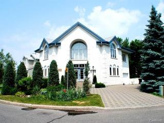 1 bedroom Condo with Long Term Rentals Allowed (over 1 Month) in Longueuil - Longueuil vacation rentals
