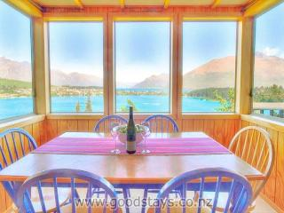 Panoramic views from a classic kiwi holiday home, close to town - Queenstown vacation rentals
