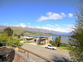 Earnslaw Central Views A - Queenstown vacation rentals