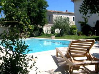 Iris - Former wine house, swimming pool, 10km from Montpellier - Grabels vacation rentals