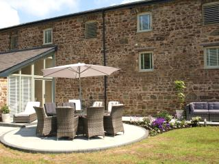 5**Luxury Barn, Haverfordwest, Pembrokeshire - Canaston Wood vacation rentals