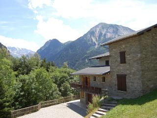 9 bedroom Villa in Champagny En Vanoise, Northern Alps, France : ref 2080018 - Champagny-en-Vanoise vacation rentals