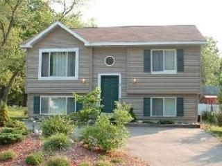 In-Town Cottage: Near Beach, Shops, & Restaurants - New Buffalo vacation rentals