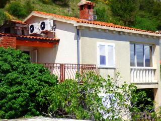 2 bedroom Condo with Internet Access in Omis - Omis vacation rentals