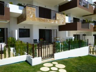 Lovely Condo with Internet Access and Washing Machine - Punta Prima vacation rentals