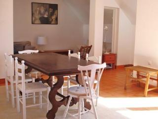 Cozy 2 bedroom House in Cascais - Cascais vacation rentals