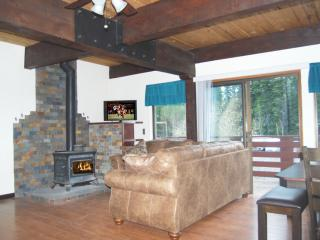 Lg Luxury 3BR@Lake Tahoe-POOL by River & Bike Trl - Tahoe City vacation rentals