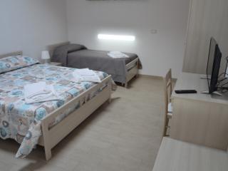 Camera tripla Al Veliero - Marzamemi vacation rentals