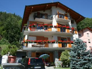 2 bedroom Condo with Satellite Or Cable TV in Chiesa In Valmalenco - Chiesa In Valmalenco vacation rentals