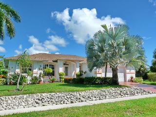 Inviting home in quiet neighborhood w/ heated pool & short walk to Beach - Marco Island vacation rentals