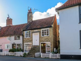 The Old Custom House - Romantic Cottage - Aldeburgh vacation rentals